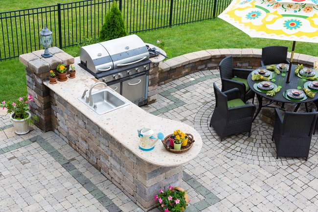 Tips for Creating Your Dream Outdoor Kitchen