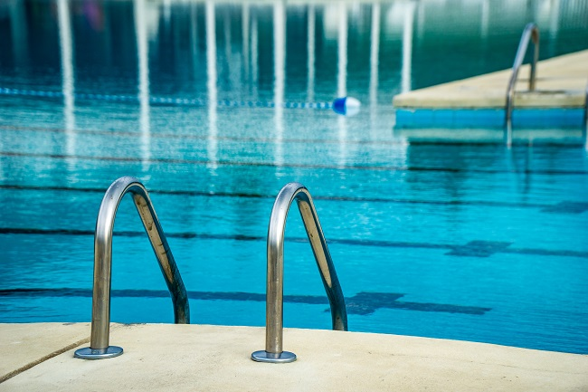 Must have safety features for your commercial pool for Pool design must haves