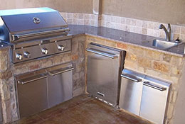 Varsity Pools Outdoor Kitchens