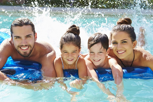 5 Pool Maintenance Tips to Keep Your Swimming Pool Clean