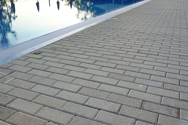 4 Textures You Need in Your Pool Design