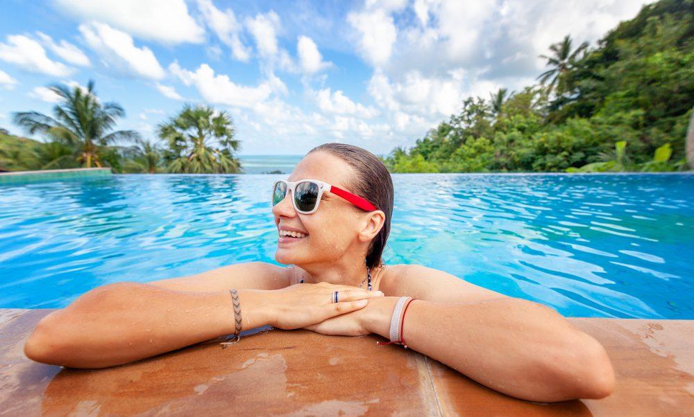 4 Reasons Why People Choose an Infinity Pool Design